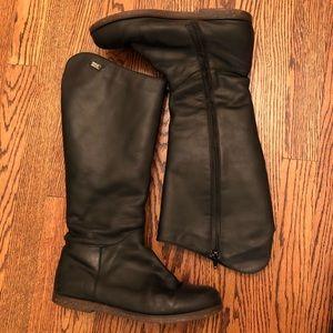 Emu Armidale Sheepskin Lined Leather Boots